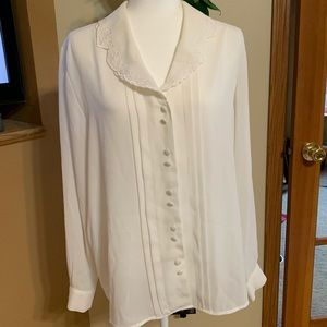 Beautiful Vintage Women's Blouse